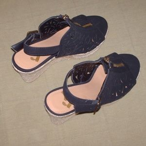 Lovely pair of Report shoes wedges - size 5 1/2